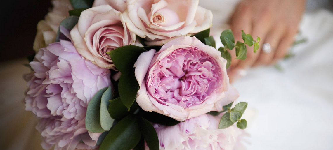 Expensive Flowers In A Box – 3 Reasons To Give Flowers On Special Occasions